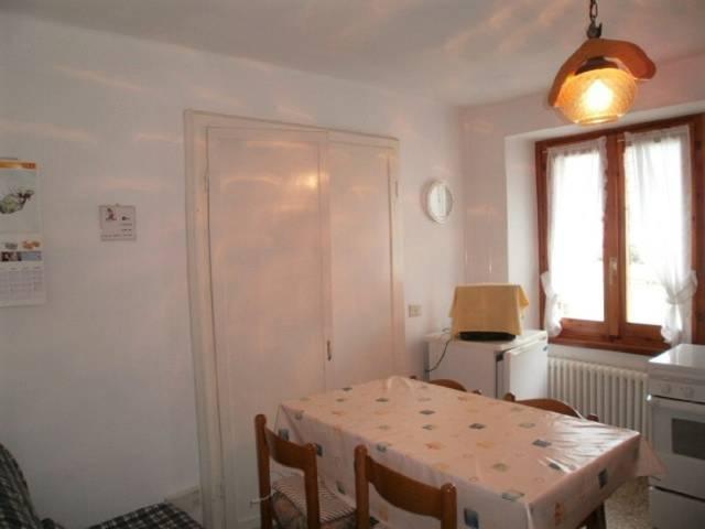 Appartamento in buone condizioni arredato in vendita Rif. 4207682