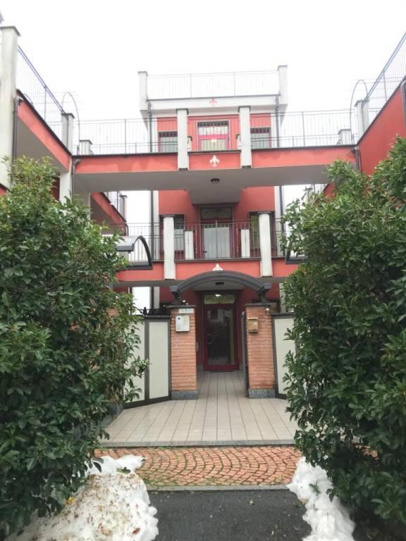 Appartamento in vendita a Malnate, 3 locali, prezzo € 159.000 | CambioCasa.it