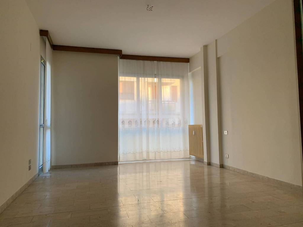 Appartamento in Affitto a Pistoia Centro: 5 locali, 130 mq