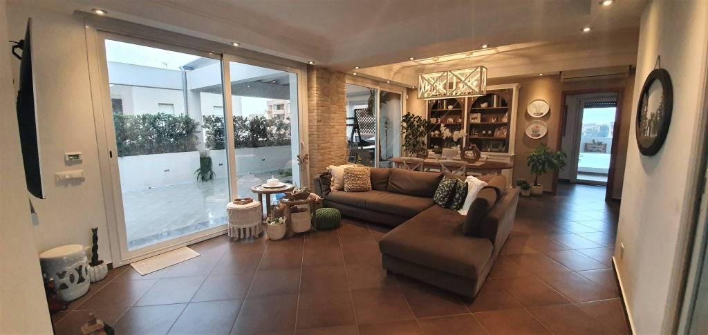 Via Villa Rosina – Attico di 300mq con verande, foto 0