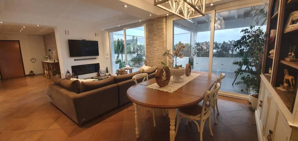 Via Villa Rosina – Attico di 300mq con verande, foto 2