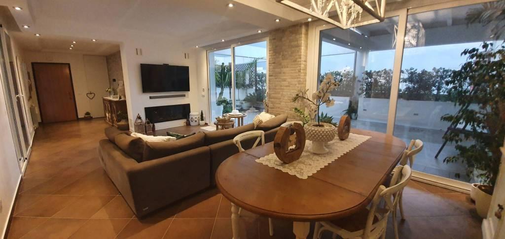 Via Villa Rosina – Attico di 300mq con verande, foto 14