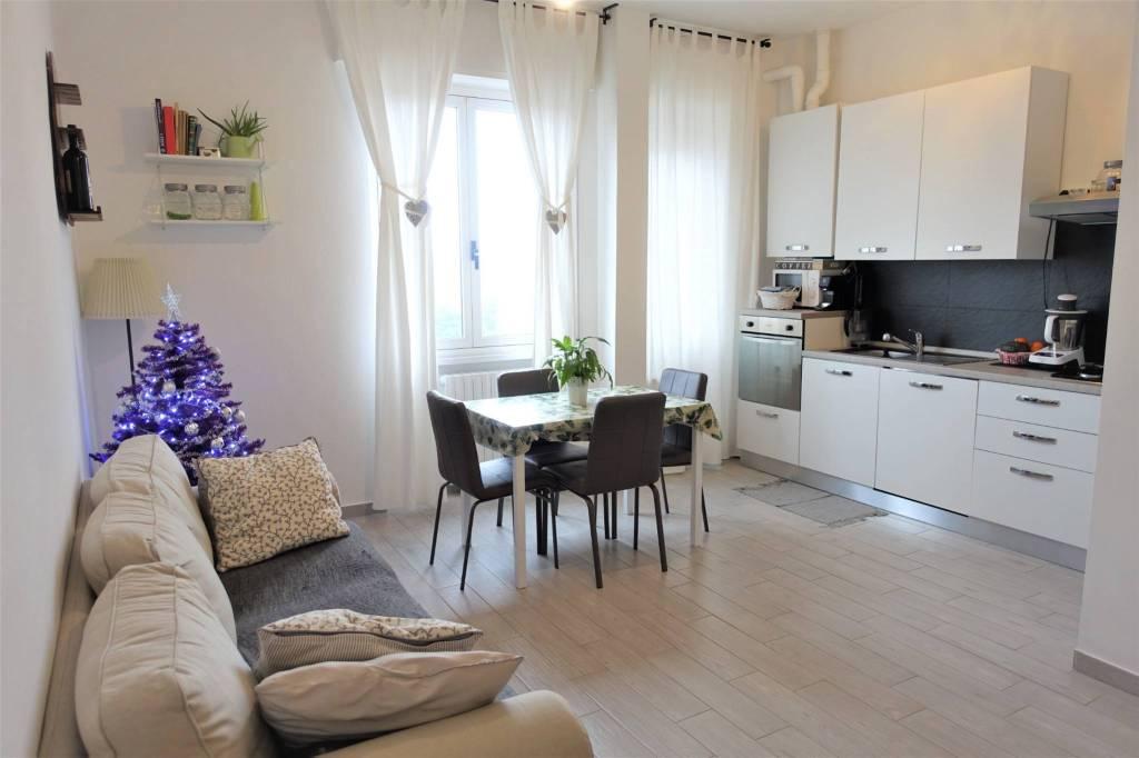 Appartamento in vendita a Landriano, 3 locali, prezzo € 85.000   CambioCasa.it