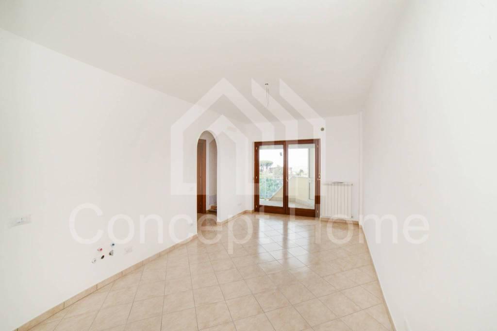 Appartamento in vendita a Marino, 2 locali, prezzo € 135.000 | CambioCasa.it