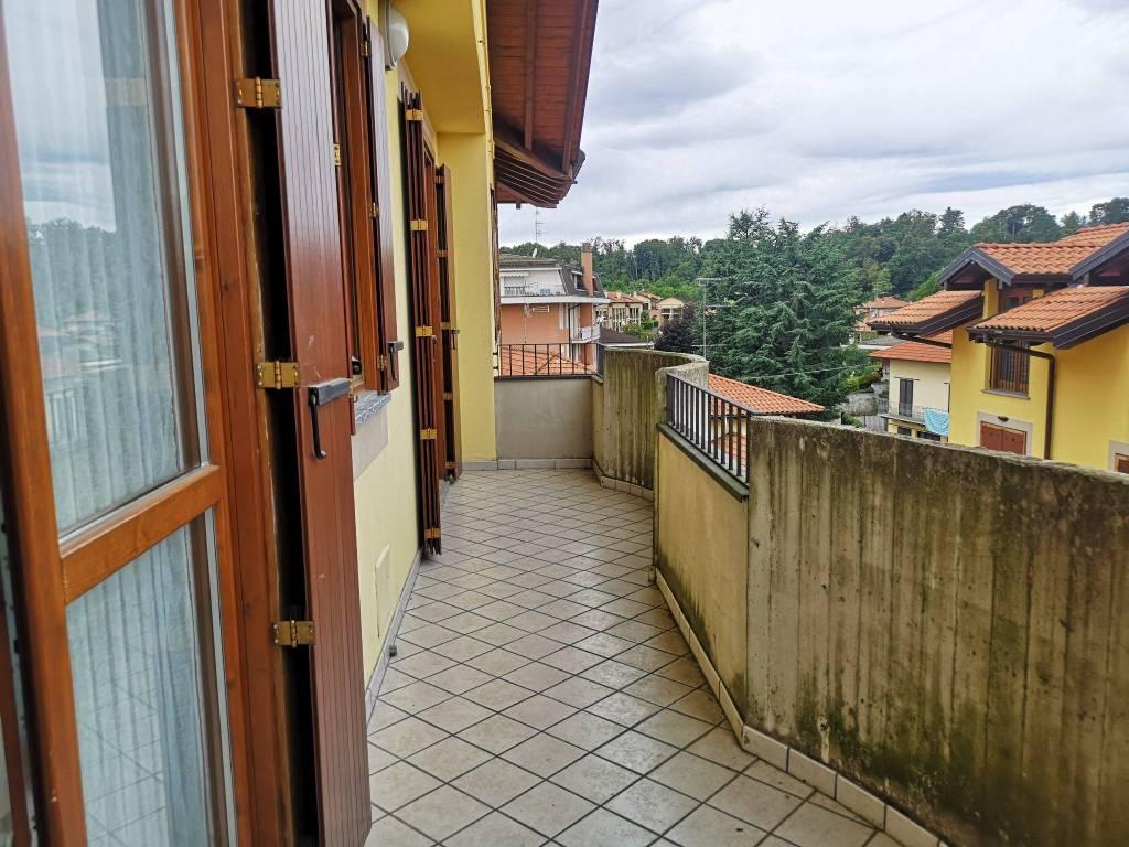 Appartamento in affitto a Vergiate, 2 locali, prezzo € 600 | CambioCasa.it