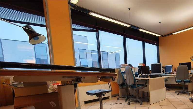 Ufficio / Studio in vendita a Savigliano, 4 locali, prezzo € 250.000 | PortaleAgenzieImmobiliari.it