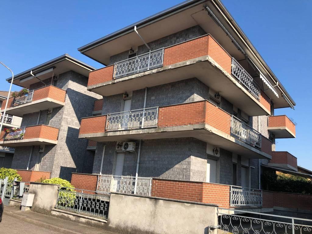 Appartamento in affitto a Cerano, 3 locali, prezzo € 550 | CambioCasa.it