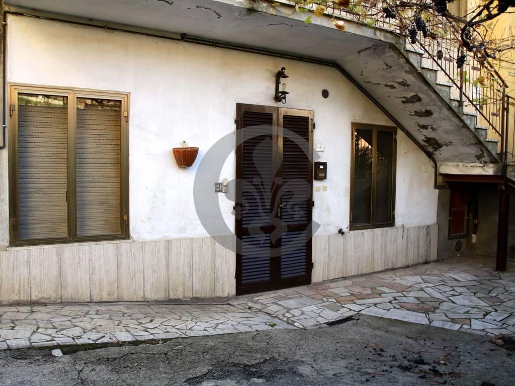 Appartamento in vendita a Castiglione d'Orcia, 6 locali, prezzo € 125.000   PortaleAgenzieImmobiliari.it