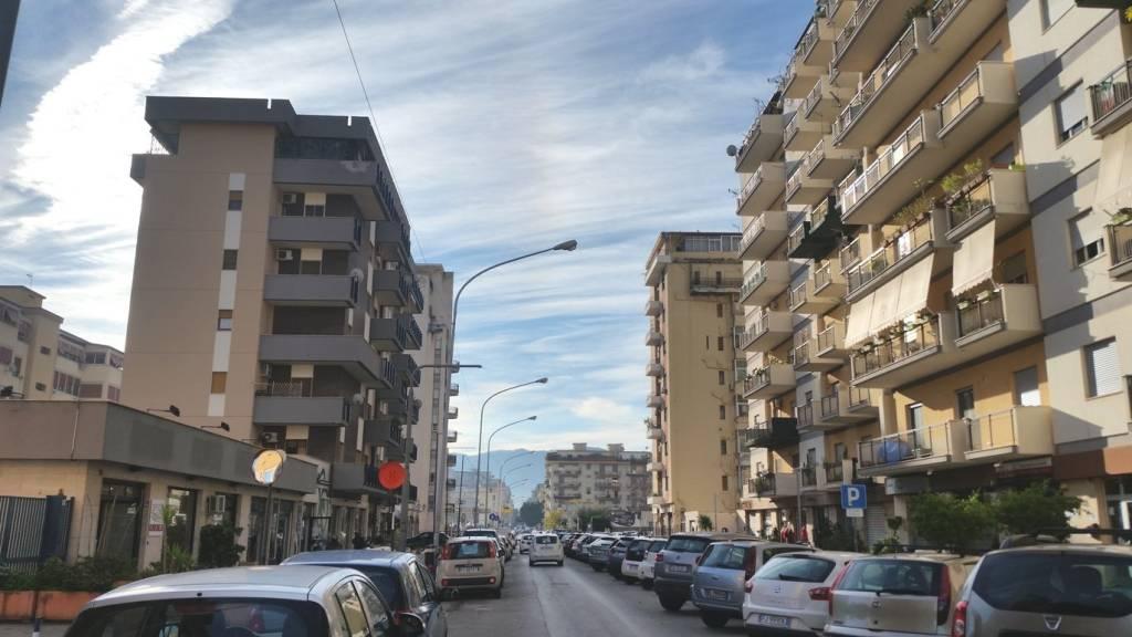Appartamento in Affitto a Palermo Centro:  3 locali, 93 mq  - Foto 1