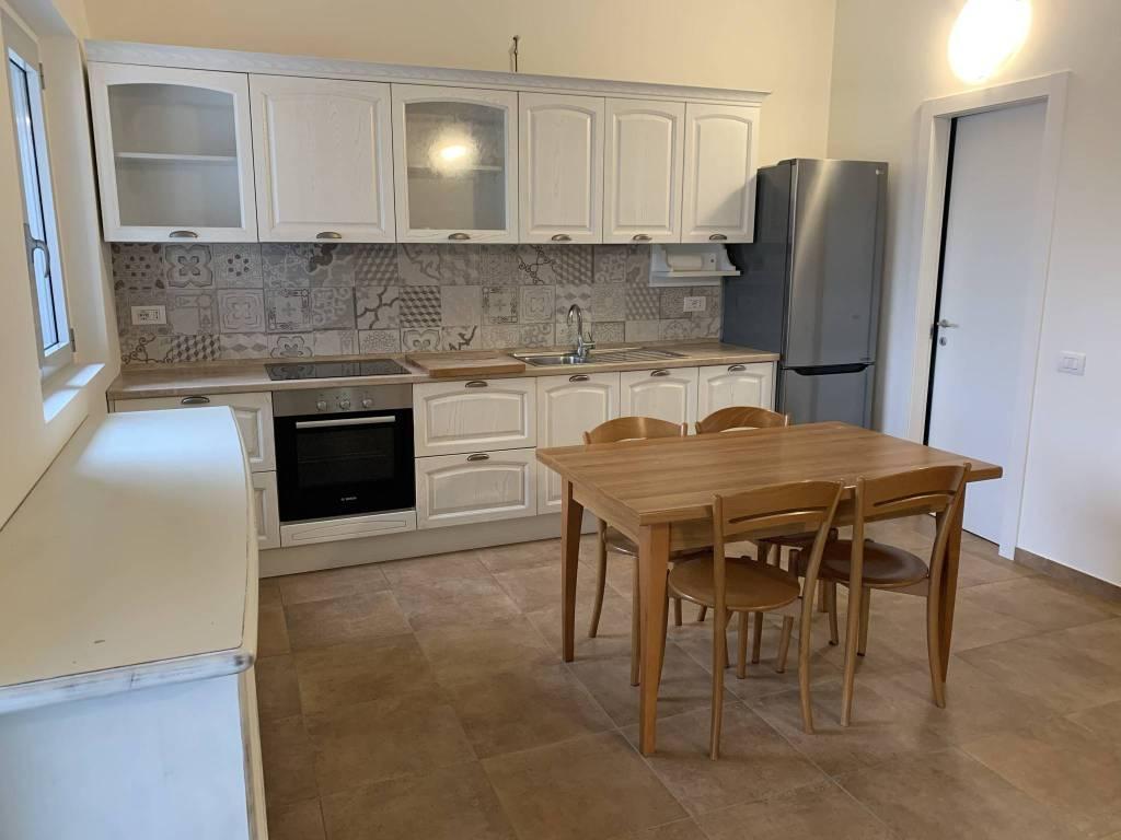 Appartamento in ottime condizioni arredato in affitto Rif. 4401334