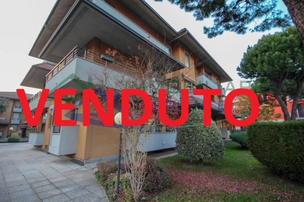 Appartamento in vendita a Casorate Sempione, 3 locali, prezzo € 124.000 | CambioCasa.it