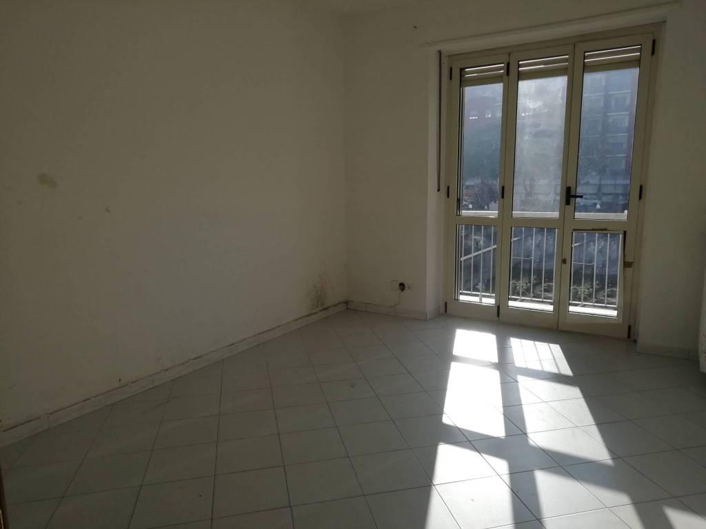 Appartamento in vendita a Chivasso, 3 locali, prezzo € 90.000 | CambioCasa.it