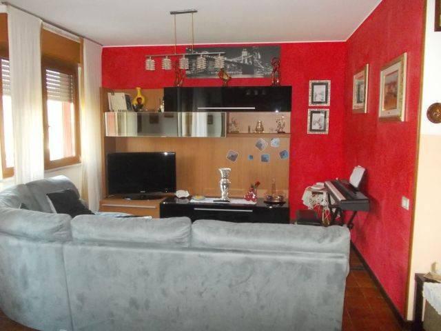 Appartamento in vendita a Peschiera Borromeo, 4 locali, prezzo € 239.000   CambioCasa.it