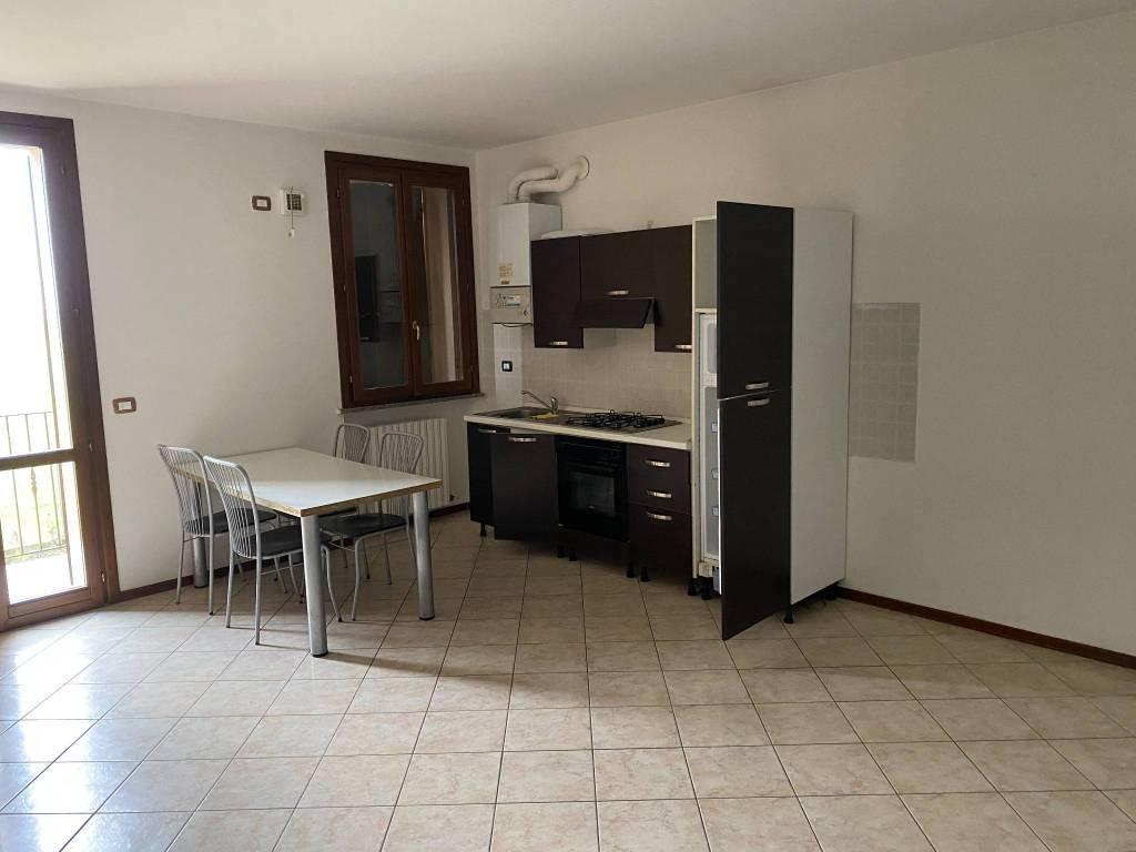 Appartamento in vendita a Viadana, 2 locali, prezzo € 52.000 | CambioCasa.it