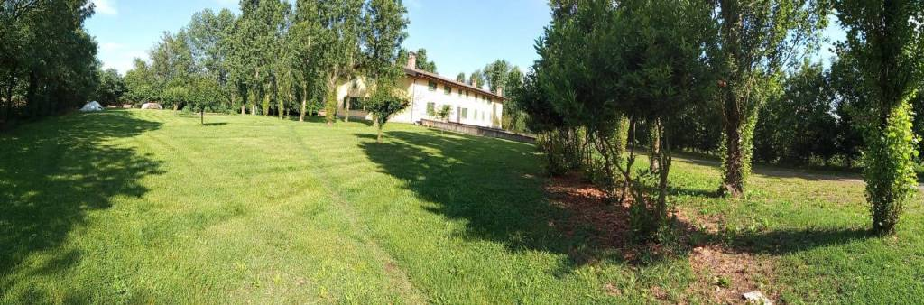 Rustico / Casale a San Donato Milanese in Vendita