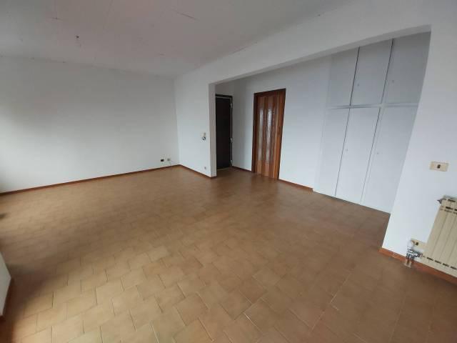 Appartamento in buone condizioni arredato in affitto Rif. 6830420