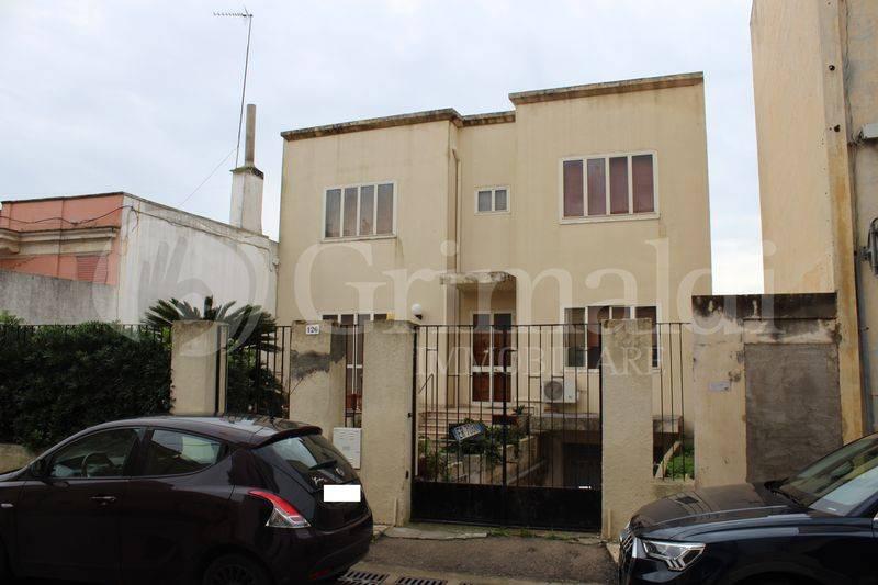 Casa indipendente in Vendita a Tuglie Centro: 5 locali, 340 mq