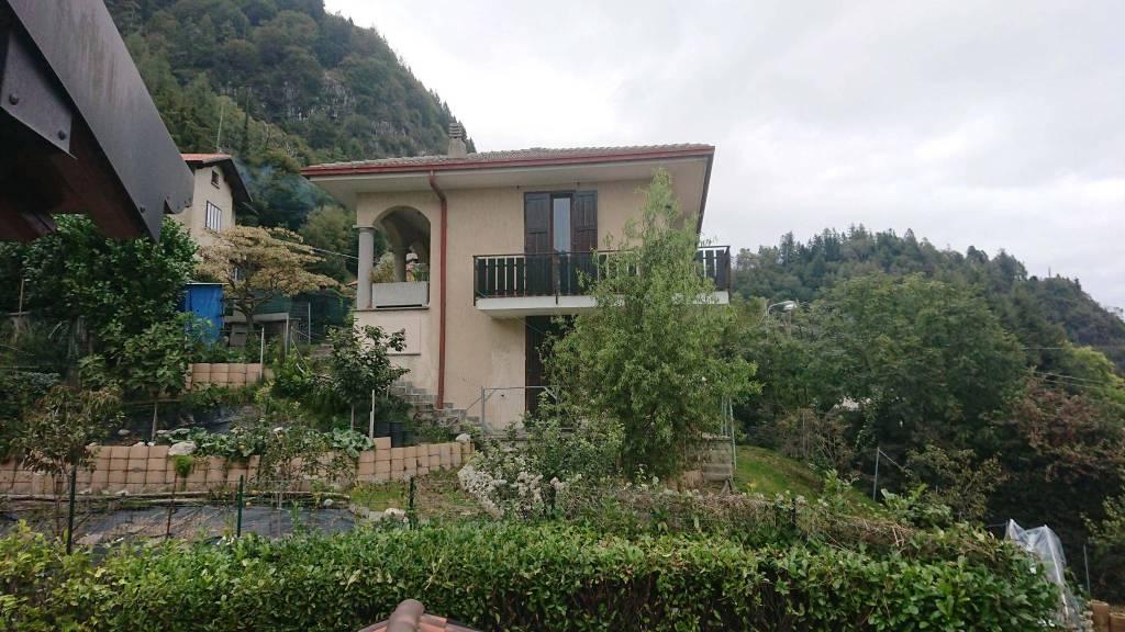 Villa in vendita a Magreglio, 4 locali, prezzo € 350.000 | PortaleAgenzieImmobiliari.it