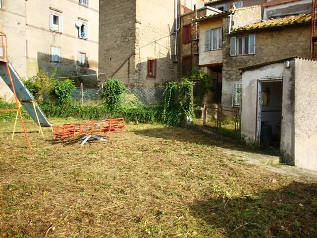 Palazzo / Stabile in vendita a Caprarola, 9999 locali, prezzo € 270.000 | CambioCasa.it