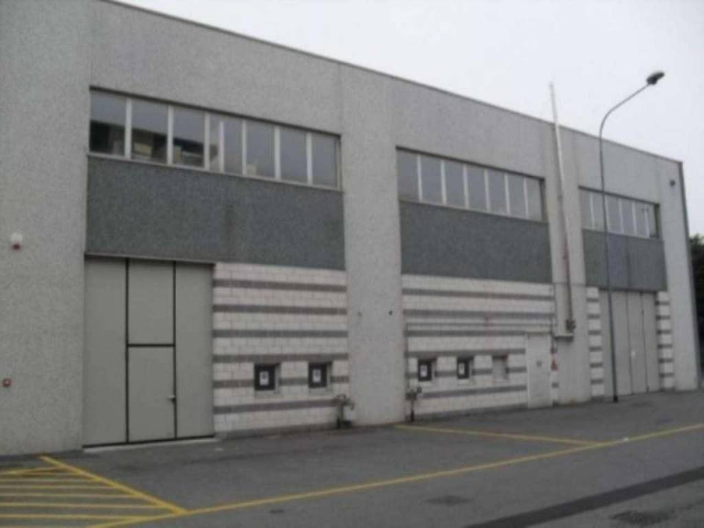 Capannone in vendita a Desio, 2 locali, prezzo € 198.000 | CambioCasa.it