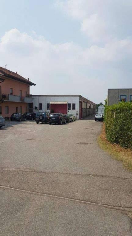 Capannone in affitto a Mariano Comense, 1 locali, prezzo € 1.500 | CambioCasa.it
