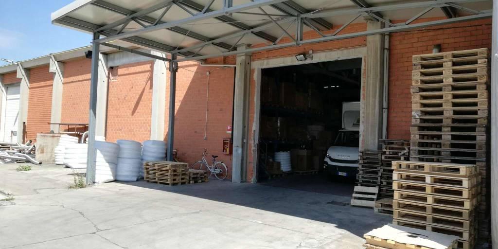 Capannone in vendita a Cusano Milanino, 2 locali, prezzo € 2.450.000   CambioCasa.it