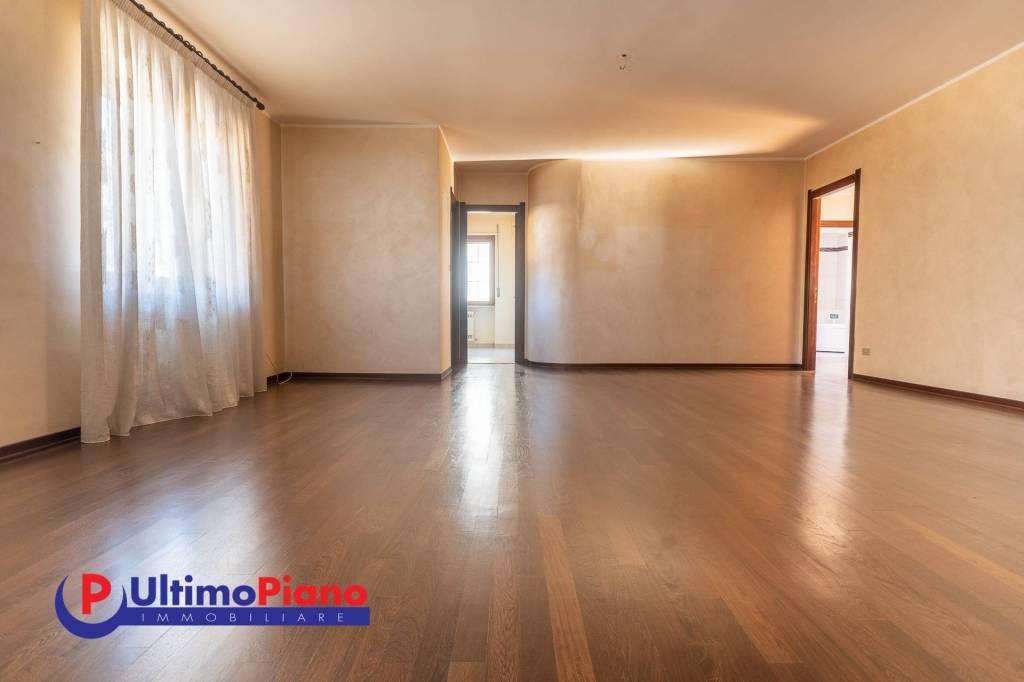 Appartamento in affitto a Aosta, 7 locali, prezzo € 850 | PortaleAgenzieImmobiliari.it