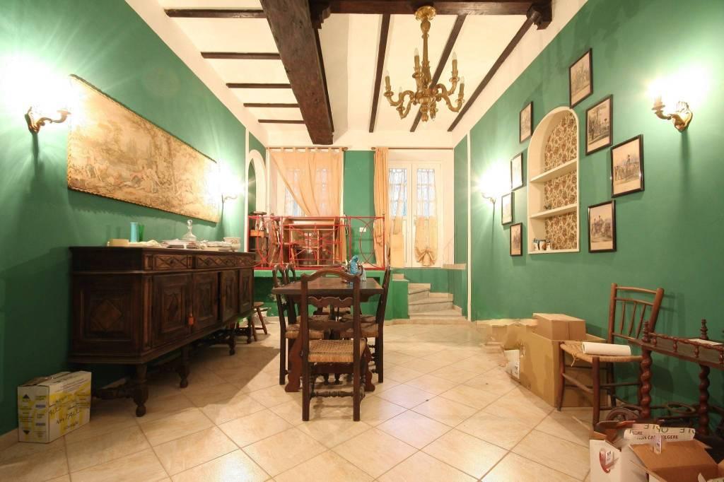 Appartamento in vendita a Gavi, 5 locali, prezzo € 180.000 | CambioCasa.it