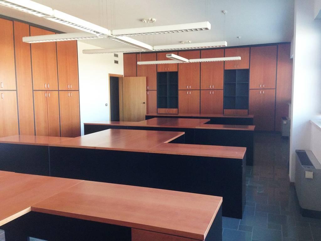Ufficio / Studio in affitto a Sant'Agata Bolognese, 9999 locali, Trattative riservate | CambioCasa.it